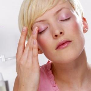 Правильно ухаживаем за кожей на лице для сохранения молодости